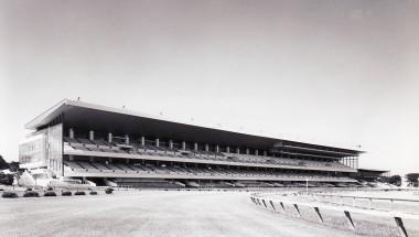 旧 東京競馬場スタンド